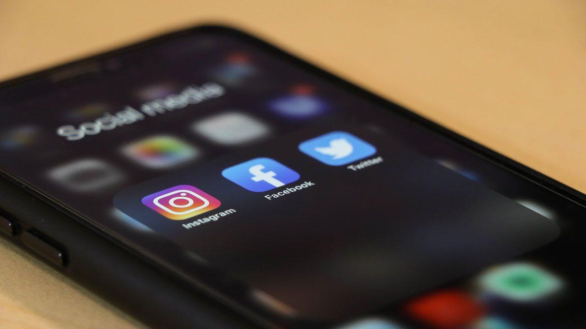 Γάμος από γνωριμία μέσω Social media