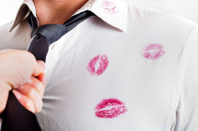 10 σημάδια ότι ο σύντροφός σας σας απατάει